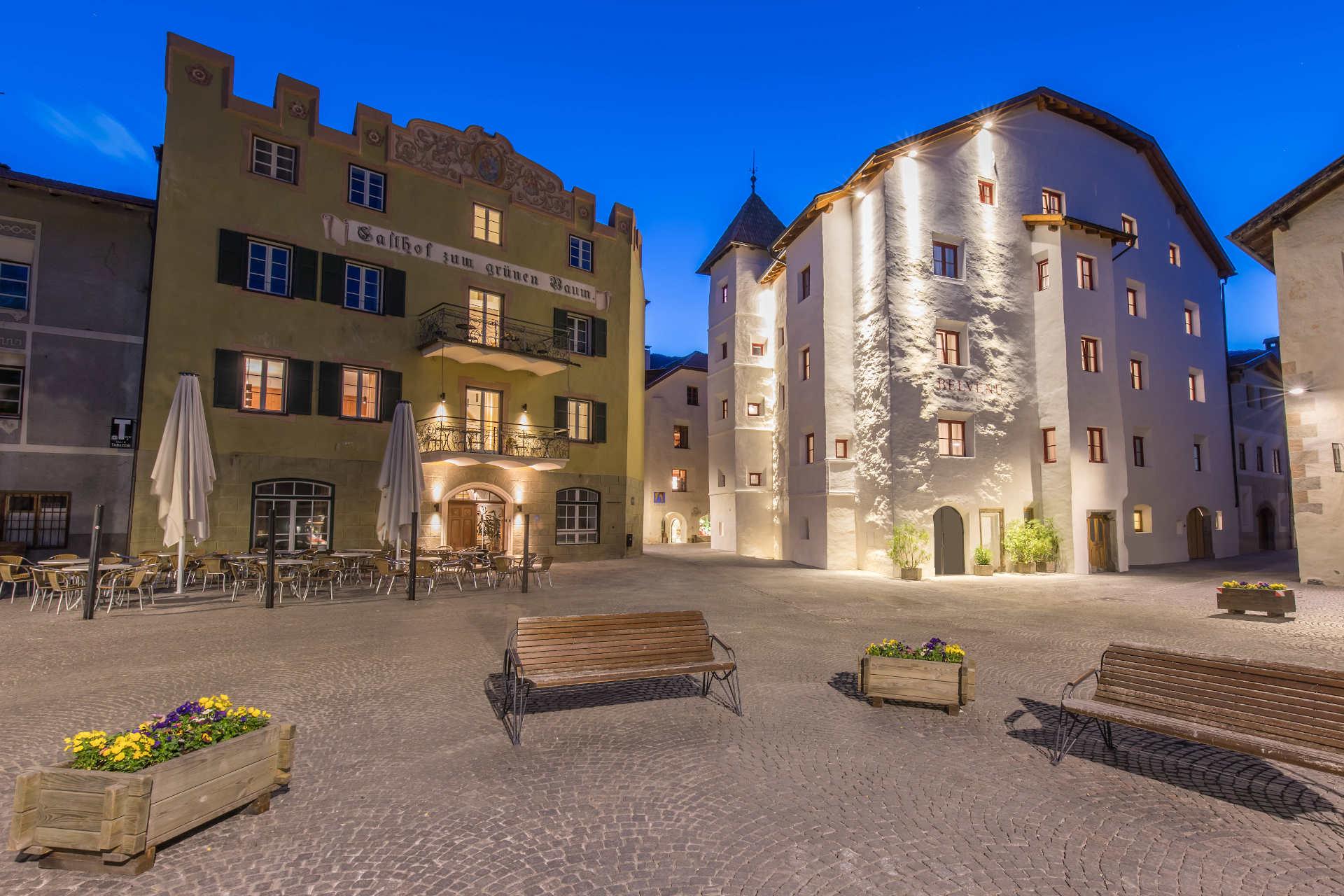 Glorenza Hotel Restaurant Guest house